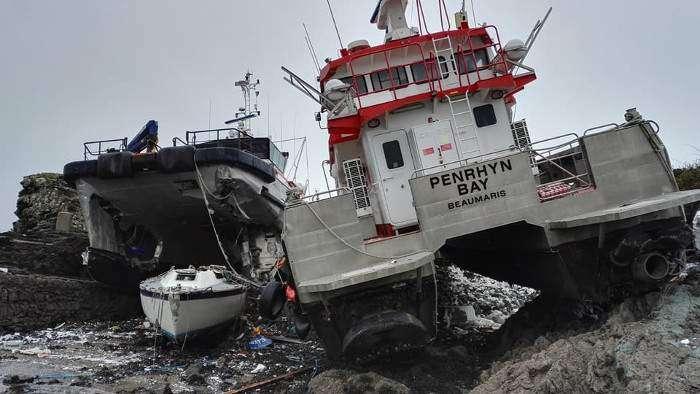 Emma wrecks Turbine Transfers vessels - 4C Offshore
