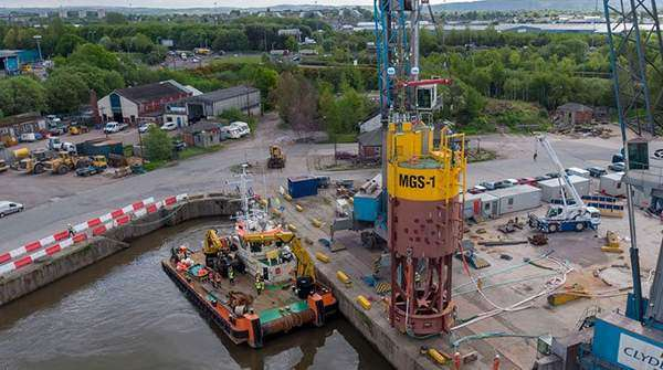 Minesto buoy prepares for installation